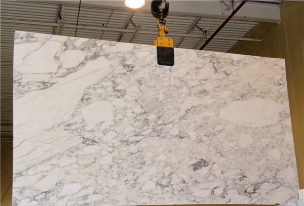 arabescato-marble-quarry-slab-2530b