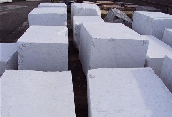 bianco-carrara-marble-quarry-block-2511b