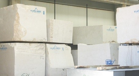 botticino-classico-marble-quarry-block-951b