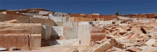 calacata-pink-agf-marble-quarry-quarry1-3211b