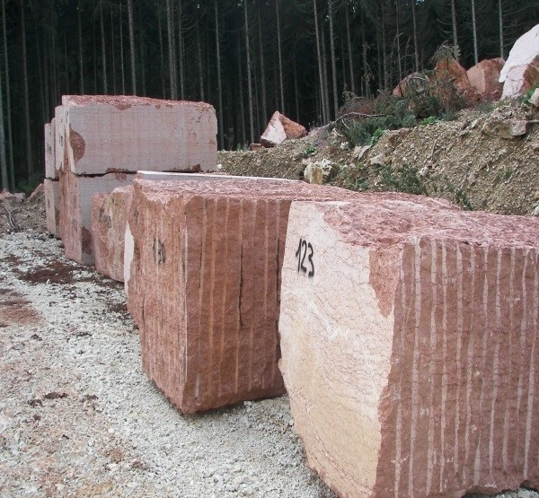 cava-rosso-verona-rosso-asiago-marble-quarry-product3-2156b