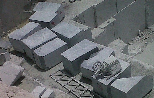 imperial-green-marble-quarry-block-1938b