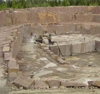 new-balmoral-red-granite-quarry-quarry1-1257b