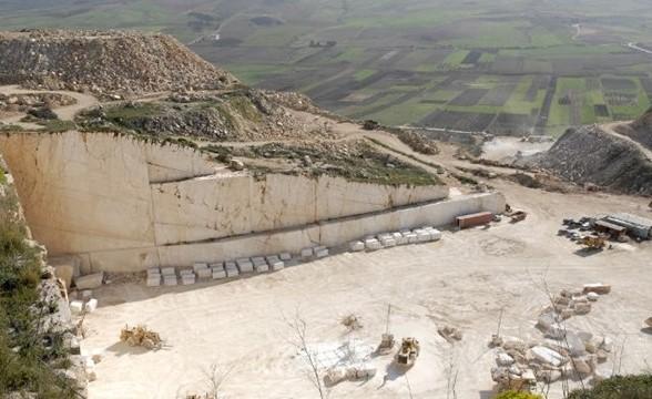 perlato-sicilia-quarry-quarry2-1733b