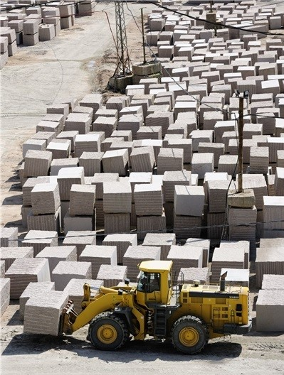 rosa-porrino-granite-quarry-quarry2-2988b