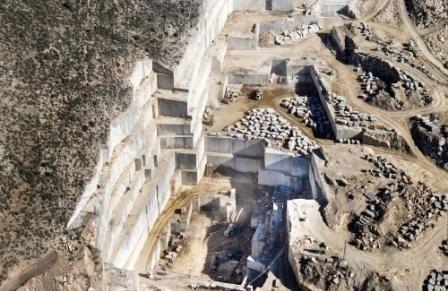 dark-emperador-marble-marron-imperial-marble-quarry-quarry1-642b