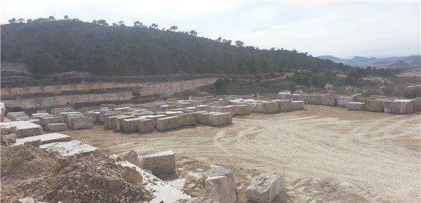 dark-emperador-marble-quarry-product1-2658b