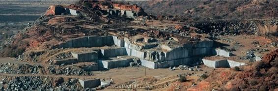 impala-black-granite-quarry-quarry1-1b