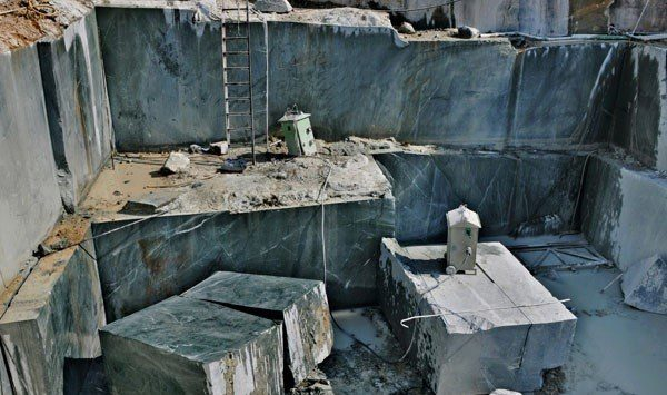 kesariaji-green-marble-forest-green-marble-quarry-block-4350b