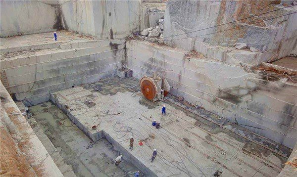 savanna-green-granite-quarry-quarry1-3353b