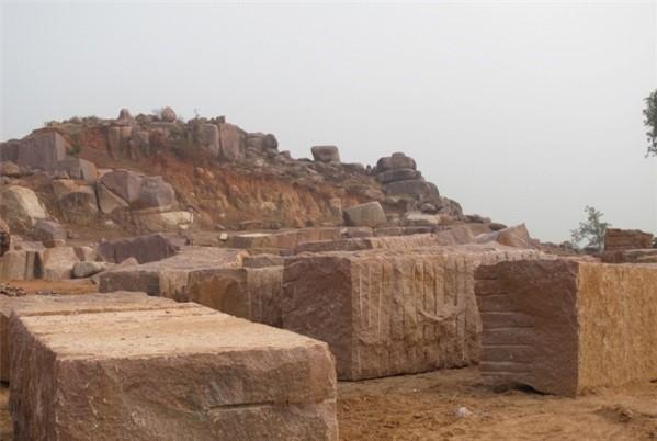 shri-raj-granite-chattarpur-quarry-indian-red-granite-product5-697b