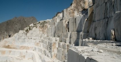 bianco-carrara-marble-quarry-quarry1-2511b
