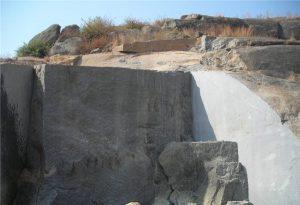 pearl-brown-granite-quarry-quarry1-818b