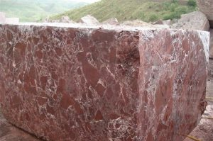 rosso-levanto-marble-quarry-block-2098b