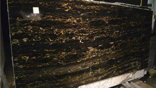 ネロポルトロ イタリア産黒にゴールドの大理石のご紹介
