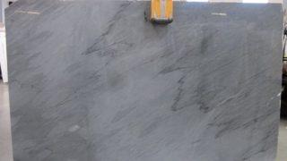 バルディリオ インペリアーレ イタリア産グレーの大理石のご紹介