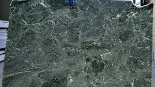ヴェルデイソーリエ イタリアの緑系大理石のご紹介